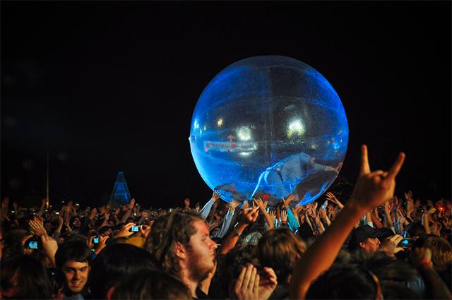 Voodoo Fest at Night (Photo: Joe Van)