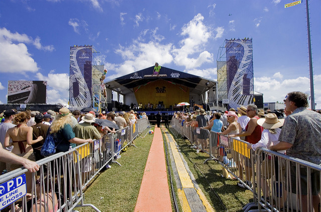 Revelers wait for the show to begin at Jazz Fest. (Photo courtesy Flickr user lnmezz)