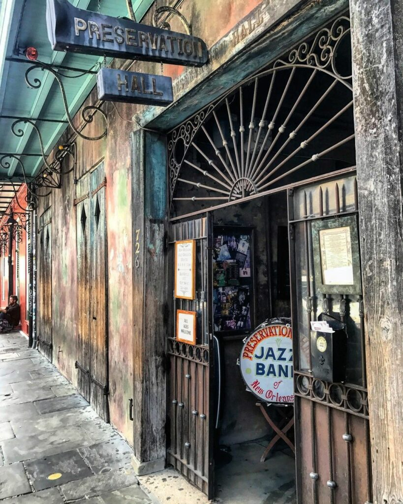 Preservation Hall, the best spot to listen to live New Orleans jazz in the French Quarter