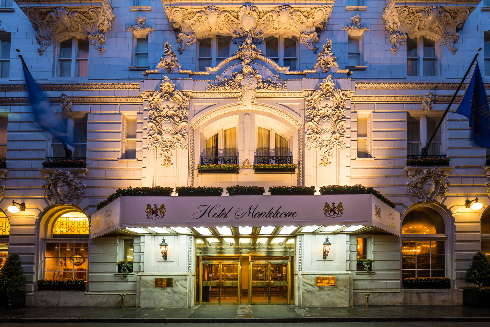 New Orleans Hotels >> Carousel Bar Lounge Hotel Monteleone French Quarter